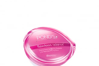 Crema Antimanchas Pond's Flawless Radiance Spf 30 + Caja Con Pote Con 50 mL